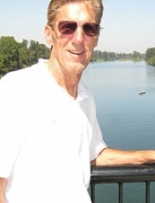 Richard 70 y.o. from USA