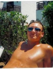 Craig 45 y.o. from UK