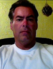 Robert 54 y.o. from USA