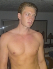 Zach 39 y.o. from USA