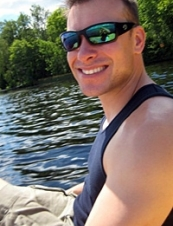 Mikel 43 y.o. from USA