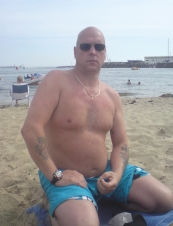 ron from Netherlands54 y.o.