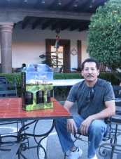 Miguel 58 y.o. from USA