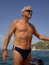nello 67 y.o. from Italy